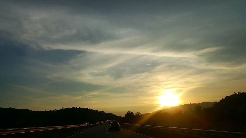 Sunsets and weekend drives with mother. Enjoying Life Nature Relaxing Phillipines Sunset #sun #clouds #skylovers #sky #nature #beautifulinnature #naturalbeauty #photography #landscape