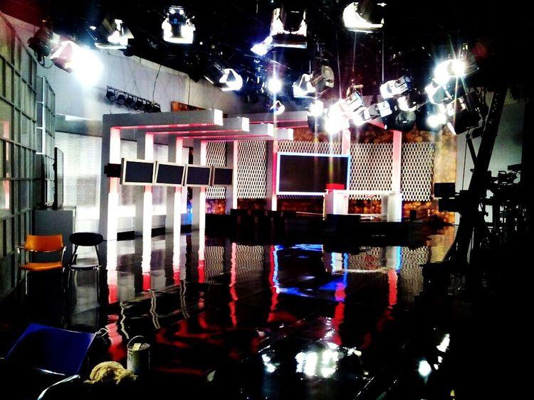 LoveMyWork Tv Studio se Working Tvset AlExtremo