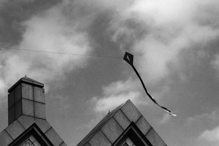 Architecture B&w B&w Street Photography Cloud - Sky Kite Kite Flying London No People Roofs Rooftop Sky