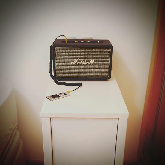Music Play Playing Marshall Ipod Apple Vintage Retro Rock