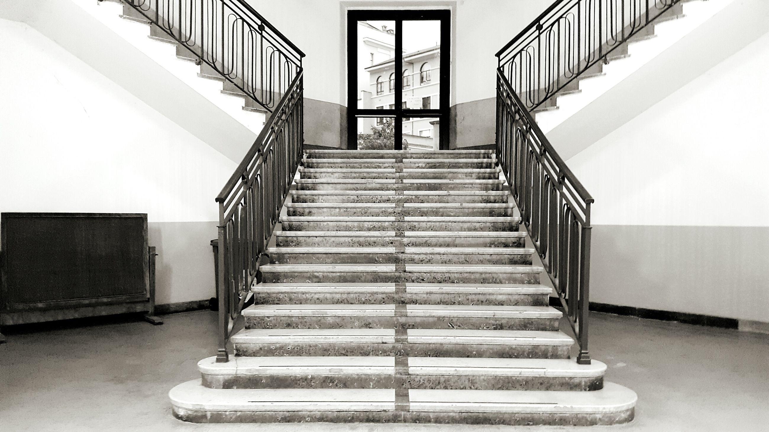 staircase, steps and staircases, steps, railing, the way forward, built structure, indoors, architecture, stairs, stairway, no people, day