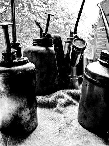 Bleisatz Buchdruck Camping Stove Close-up Container Day Font Handwerk Indoors  Industry Jar Metal No People Old School Schrift Table Teapot Type Typo Vintage Werkstatt