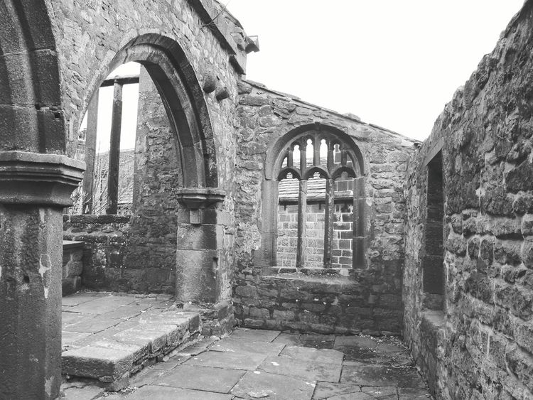 Yorkshire Landscapes With WhiteWall Landscapes Here Belongs To Me Heptonstall Coiners Black & White Black And White Black And White Architecture EyeEm Best Shots Architectural Detail Arched Windows Arch Old Buildings Architecture Taking Photos Pillars Arched Churchyard Churchporn Churches Church Church Ruin Nature On Your Doorstep Outdoor Photography
