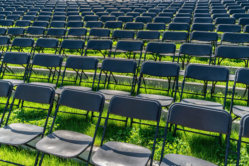Stuhlreihen Arrangement Backgrounds Chair Day Empty Green Color Large Group Of Objects No People Outdoors Seat Stadium
