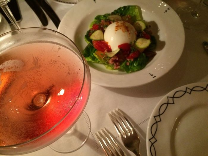Burrata Healthy Eating Dinner Drinks Dinner Aperitivo  Lecker Pink Drink Champagne Glasses