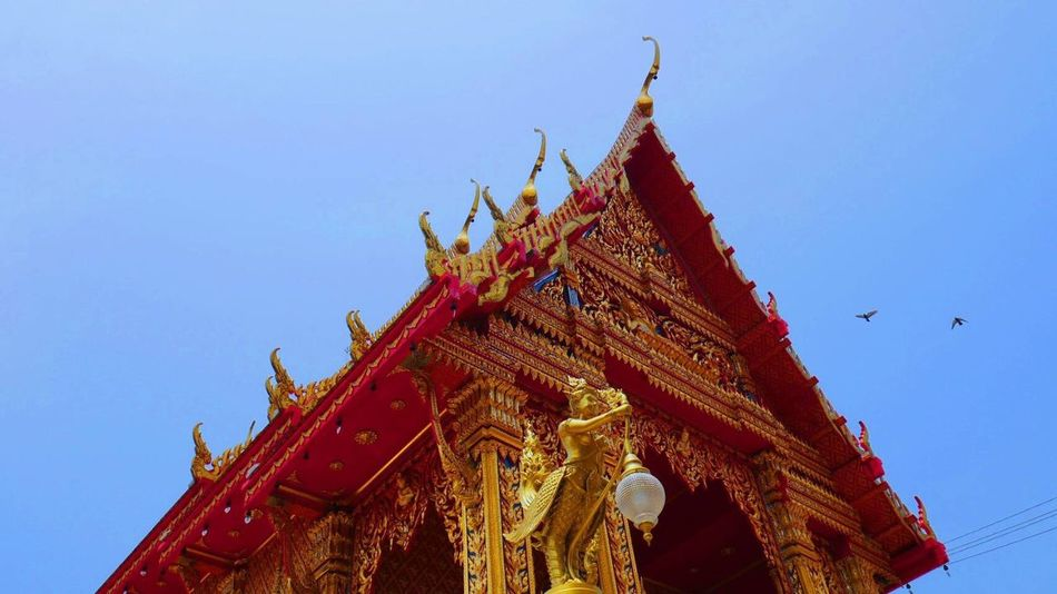 Summer in Thailand is not joke but that didn't stop me from taking this picture at WAT BANG PHLI KLANG at samut prakan Religion Low Angle View Architecture Spirituality Place Of Worship Sky Clear Sky No People Blue Building Exterior Day Outdoors Fullframe Temple Art Picture Thailand Samut Prakan