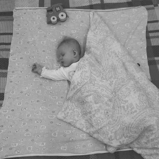 Maru Childhood Newborn Blanket