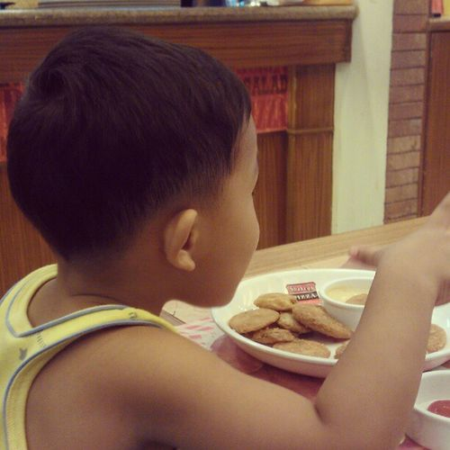 Enjoying his Mojos at Shakeys :))