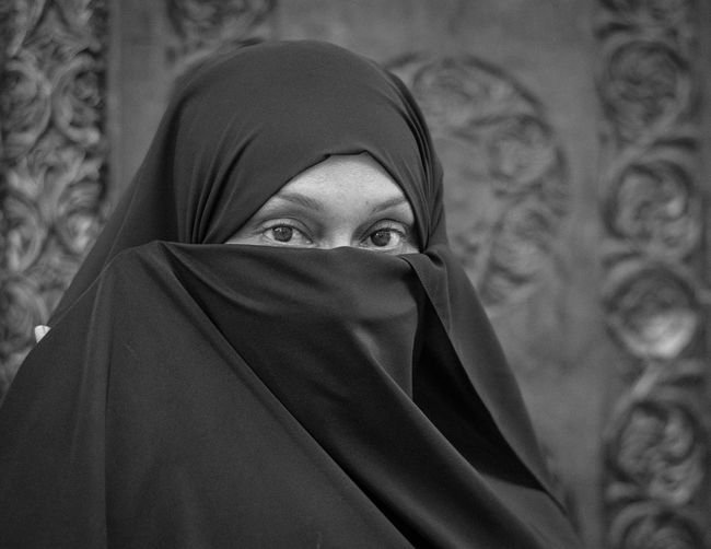 Swahili Woman Covered Face with a Veil Swahili African Beauty Beautiful Woman Close-up Day Hamids Lens Headshot Hood - Clothing Human Face Indoors  One Person Outdoors People Portrait Real People Religion Swahili Wear Swahili Woman Traditional Clothing Veil Young Adult Young Women
