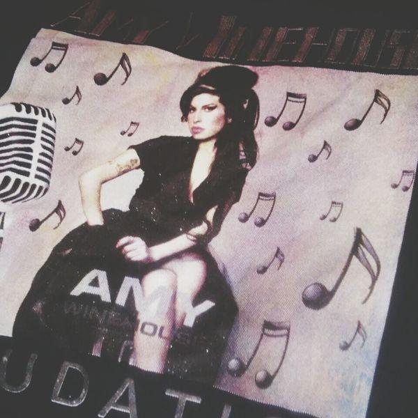 Presente :3 ❤❤ Amy Winehouse ?