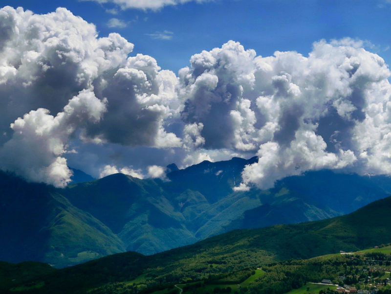 Beauty In Nature Changing Weather Horizon Over Land Landscape_photography Light And Shadow Mountain Range Non-urban Scene Outdoors Scenics Sky And Clouds Live For The Story