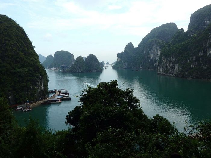Peace Water Mountain Nature Outdoors Sky Beauty In Nature Cloud - Sky Tranquility No People Vietnam Halong Bay Vietnam