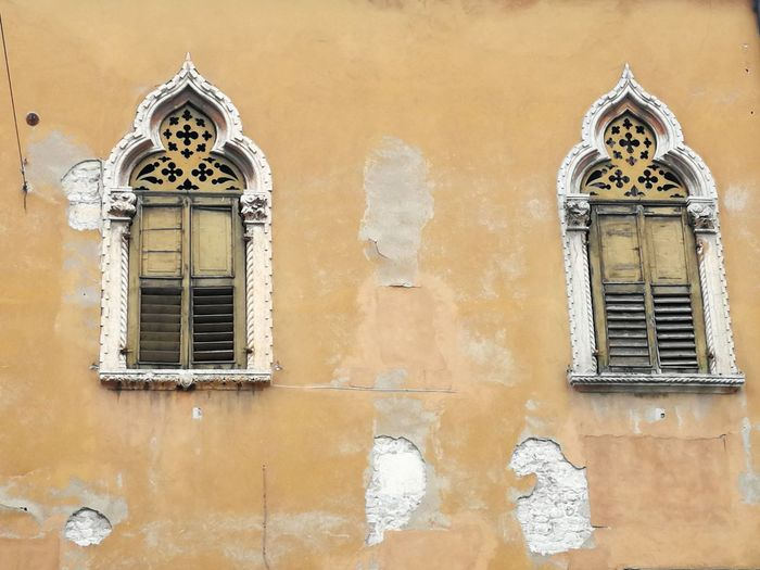 Venetian windows Italy Architecture Frame Verona Veneto Castle Ruined Old EyeEm Selects Prison Place Of Worship City Religion History Window Spirituality Architecture Building Exterior Palace Arch Old Town Rose Window