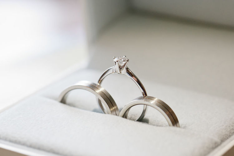 Diamond Ring Wedding Engagement Ring Love Ring Jewelry Platinum Wealth Wedding Ring Close-up Diamond - Gemstone Jewelry Box Bling Bling Engagement Expense Precious Gem Finger Ring Wedding Vows