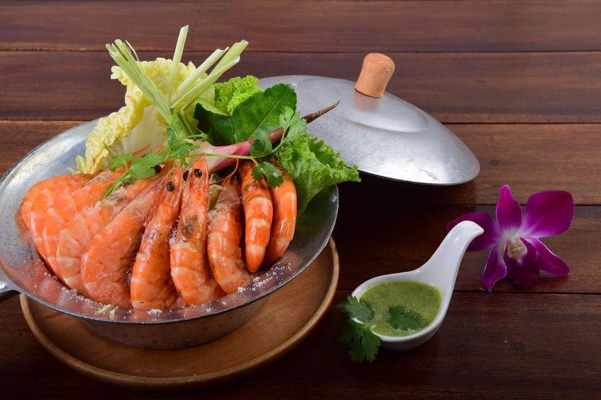Baked Salted Prawns Baked Salted Prawns Baked Shrimp Vermicelli Phuket,Thailand Salt Salt Shrimp Shrimp Delicious Food Freshness Healthy Eating Sauce Seafood Table Thai Food Vegetable