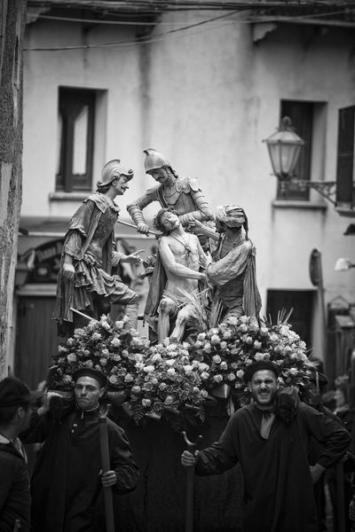 Processione dei Misteri in Erice venerdì Santo City Of Science Good Friday Misteri Di Erice Sicily Spirituality The Passion Of The Christ. Catholicism Christ's Passion Erice Italy Medieval Country Outdoors Real People Religion Religious Processions Reportage Sacred Groups Statues Street Suggestive Unione Maestranze