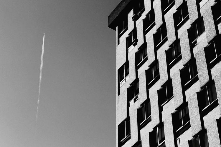 Simple Architecture Built Structure Business Finance And Industry Building Exterior No People Day Outdoors Sky City Photooftheday Eyeemphotography EyeEmStreetshots Construction Site Building - Activity EyeEm EyeEm Gallery Photooftheweek Street Photography Minimalism EyeEmNewHere