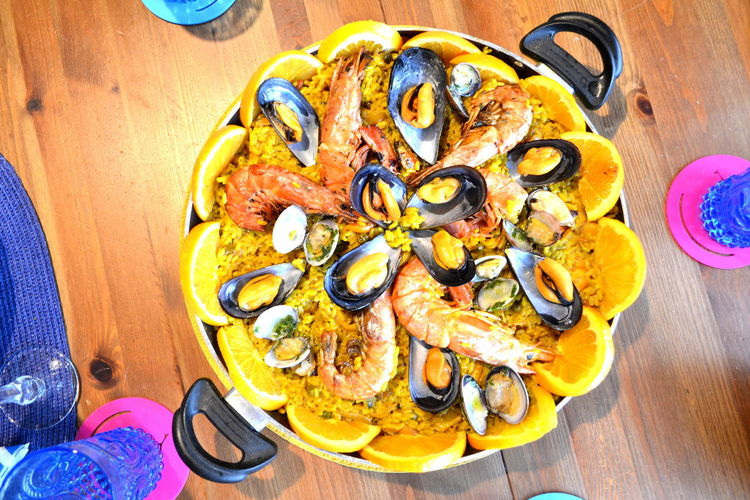 Paella Seafood Close-up Day Directly Above Food Food And Drink Foodphotography Freshness Gourmet Healthy Eating High Angle View Indoors  No People Paella De Marisco Plate Ready-to-eat Seafood Serving Size SLICE Table