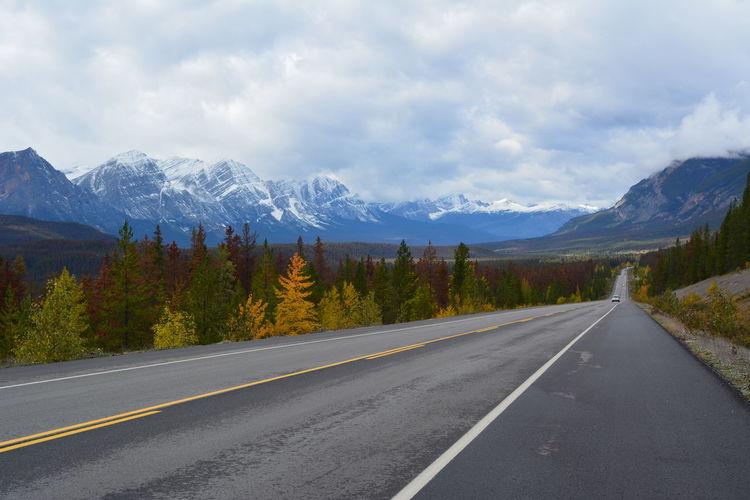 Icefields Parkway Canada Jasper National Park Banff National Park  British Columbia Alberta Roadtrip Travel Destinations