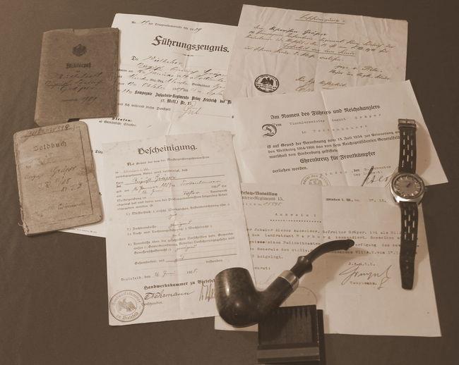 Akten Documents Dokumentenkamera Geschichte Histroic Indoors  Old Documents Old Style Paper Papier Pipe Studio Shot Text Watch