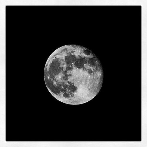 Full Moon Full_moon . Madinah madina saudiarabia saudi_arabia. Taken by my sonyalpha dslr A57. بدر قمر المدينة_المنورة المدينةالمنورة السعودية