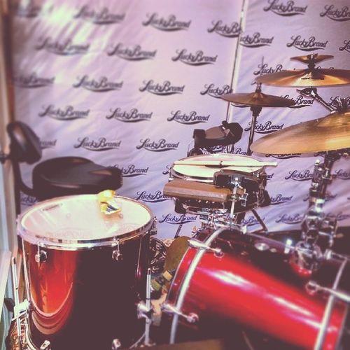 Mi set ayer en multiplaza tocando con @LlevarteAMarte en Luckybrands Panamá . Mapex Zildjian KORG Wavedrum Mini Promark Live Rock
