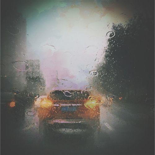 就算大雨让这座城市颠倒,我也会给你拥抱。 歌詞