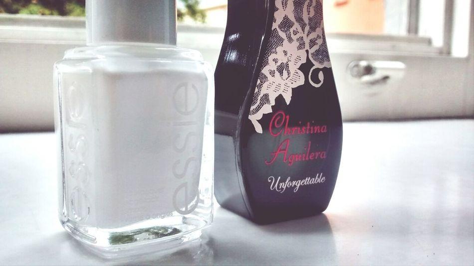 Essie Nagellack  Christina Aguilera My Parfume