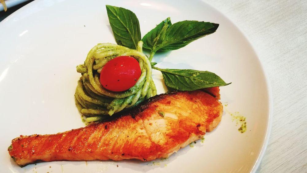 Tomato Food Pasta Contrasting Colors Salmon Grill Fish Huawei P9 Plus Food On A Plate Pesto Pasta Pesto Sauce