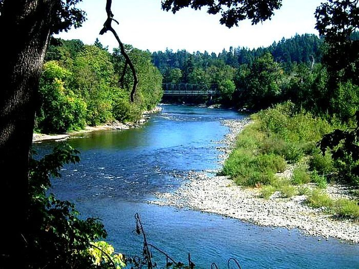 A tranquil view of the Clackamas River in Gladstone, Oregon . Oct. 2007