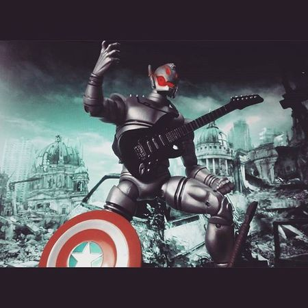 """When the dust settles the only thing in this world will be metal "" 😂😂 RockandRoll Metal Nerd Diamondselect Marvelselect AgeOfUltron Theavengers Disney Mcu ACBA Figures Marvellegends Comics Fun Actionfigurephotography Ultron Marvelentertainment Actionfigures Figurecollection Collection Collector Villian Figurelover Geek Figurelover figurelife"