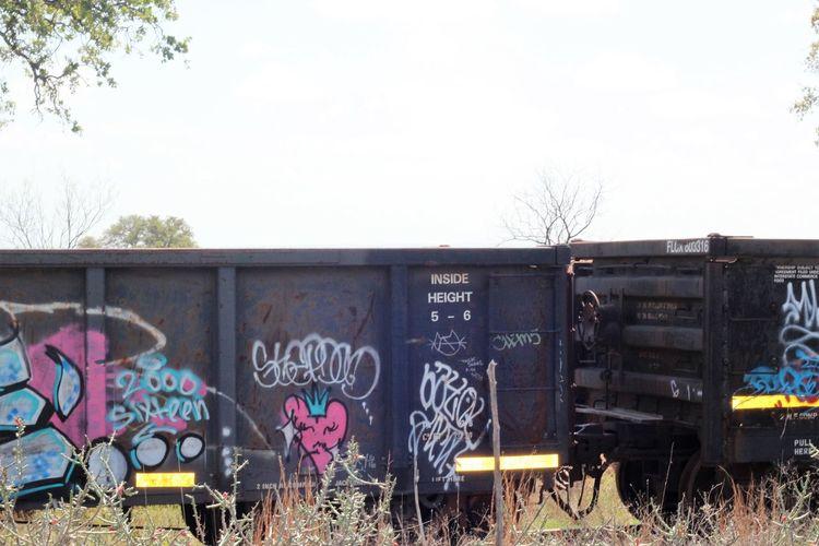 Graffiti Trains Trainphotography Train Tracks Train Photography Train Graffiti  Graffitiporn Outdoors Train Track