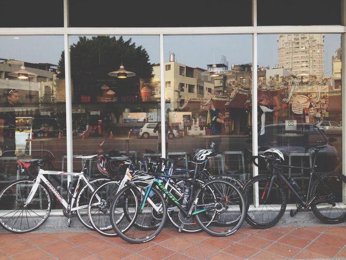 Cafe Latte 👸👑💄💎💋 Enjoying The View Enjoying Life Walking Around Bikes