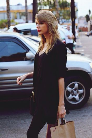 Taylor Swift Perfection Candid Check This Out