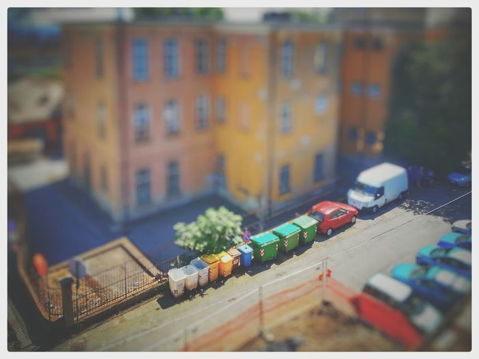 Cassonetti della rumenta e bidoni per il ♻. Fake Tilt Shift done with Snapseed / Tilt Shift Effect Architecture Built Structure Building Exterior City Tilt-shift Day Outdoors No People Cassonetti Recycling Bin Smartphone Photography
