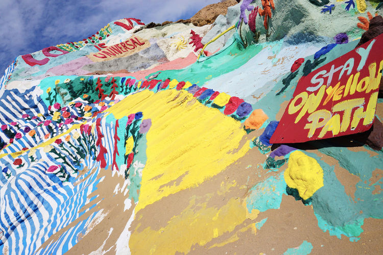 2016 America California Colorful Colors Cute Desert GOOD IS LOVE Hand Made Mountain Painting Salvation Mountain Travel アメリカ サルベーションマウンテン