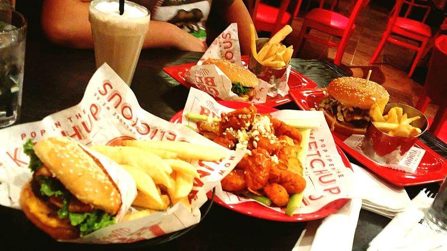 Burgers Fries Milkshakes Bacon Explosion Foodporn FATS & Pleasure 😌
