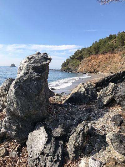 Mer roche Beach