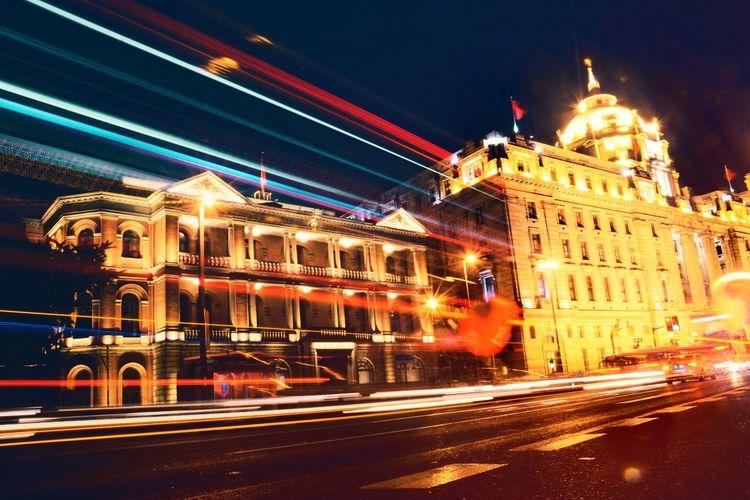 下雨天,没带伞,只好匆匆拍完了事。 Night Illuminated Architecture Long Exposure Blurred Motion Built Structure Building Exterior Light Trail Motion No People Travel Destinations Outdoors City Speed Politics And Government Sky