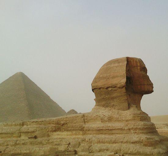 Большой сфинкс и пирамида в Гизе. египет архитектура Egypt Architecture