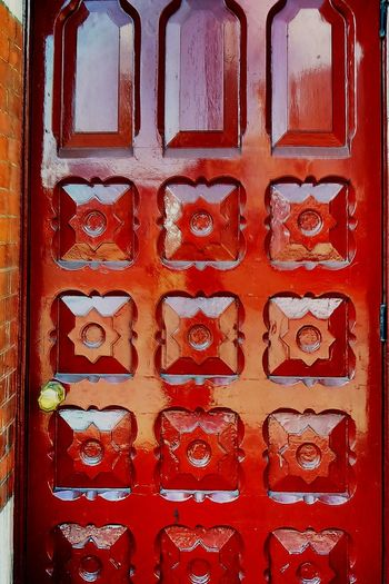 Behind such doors ... London Door sturdy Sturdy Solid Brass Red Pannel Secret Secure Discrete