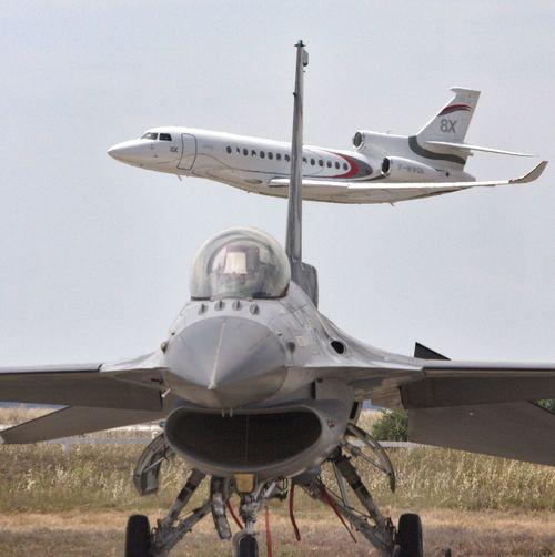 Dassault Falcon 8X & General Dynamics F-16 MLU , Belgian Air Force. Dassault Falcon8x F16 F16fightingfalcon Istres France
