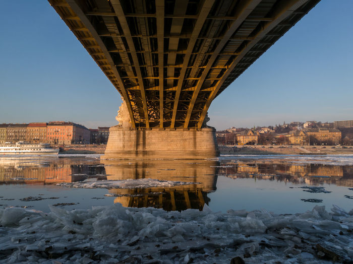 EyeEm Selects Bridge - Man Made Structure Architecture Cityscape Built Structure River No People City Icy River Budapest Danube Icy Danube Wintertime Margaret bridge