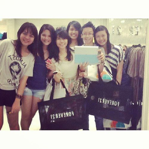 Throwback Thursday. Missing these chumies, inserr @dionemertice @ruthyeto @willenhaha @laire @fishy @jerrrrrbear Forever21 CHUMS
