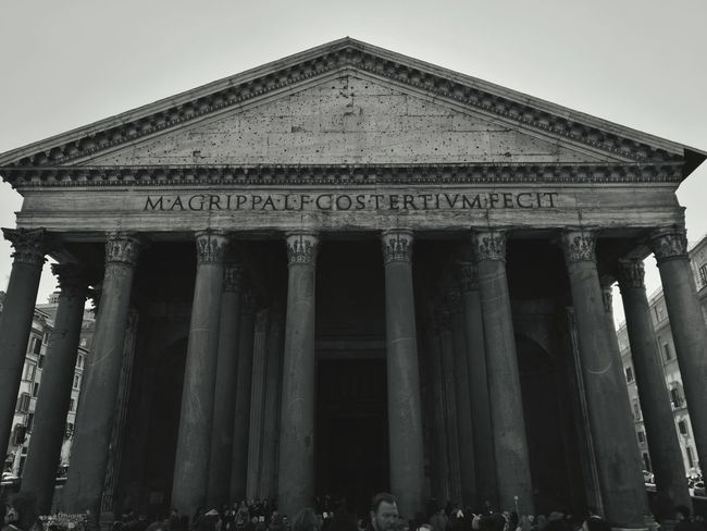 Rome Italy🇮🇹 Travel Noir Beauty Pantheon Eye4photography  EyeEmNewHere Amazing Historic Citylife Travel Photography City Ancient Civilization Architectural Column Politics And Government Ancient History Sky Architecture Building Exterior Built Structure Moving Around Rome