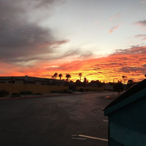 When the Sunset makes you wanna Quiteurjob Las Vegas Some Days Feel Like Sundays. Digg the Vibe