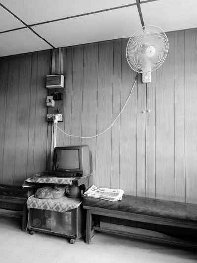 从前的现在 Indoors  Wood - Material Old-fashioned Hanging Architecture No People Day