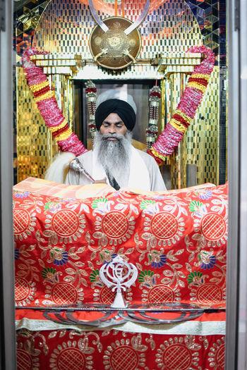 InMakin! Sikh Sikhism Sikh Temple Shri Guru Granth Sahib Gurudwara Colourful Priest Indoors  Praying My Unique Style Bright Colors Randomness The Week On EyeEm Second Acts EyeEm Ready   This Is Masculinity