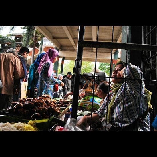 Potret Pedagang Makanan Pasar Beringharjo | Djogja Instanusantara Instanusantaradiy Instanusantarakuningan Instasunda Instanusantarabandung