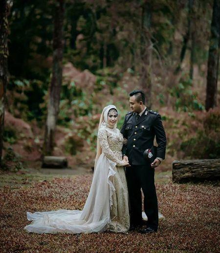preweeding Preweedingindonesia Wedding Bride Full Length Love Adult Wedding Dress Autumn Outdoors Nature Togetherness